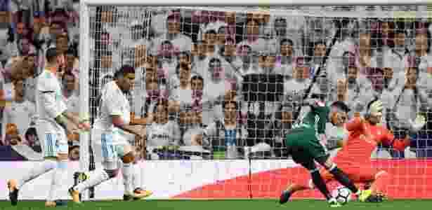 Sanabria chuta, supera Navas, mas Carvajal salva o Real Madrid - AFP PHOTO / GABRIEL BOUYS - AFP PHOTO / GABRIEL BOUYS