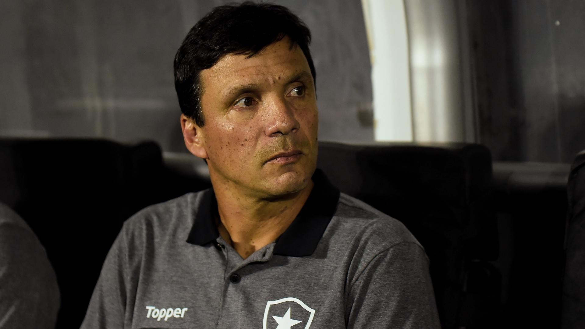 Zé Ricardo, técnico do Botafogo