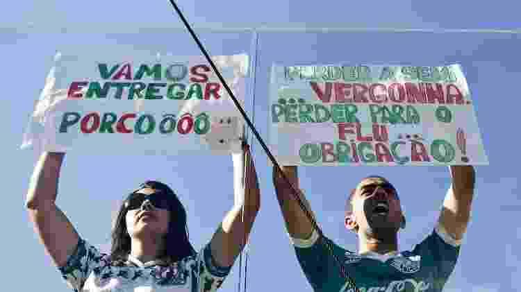 Palmeirenses não acharam ruim a vitória do Fluminense em 2010, para lamento dos corintianos - Eduardo Knapp/Folhapress