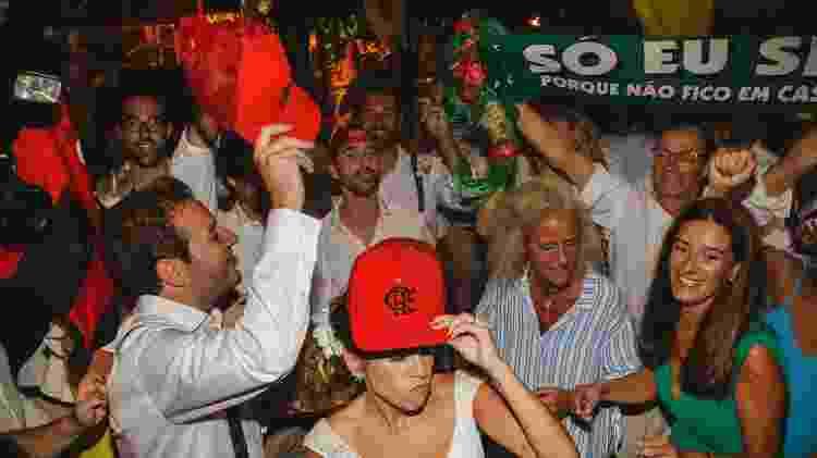 No casamento de André Catalão e Paula Paiva, itens do Flamengo e Sporting - Arquivo Pessoal - Arquivo Pessoal