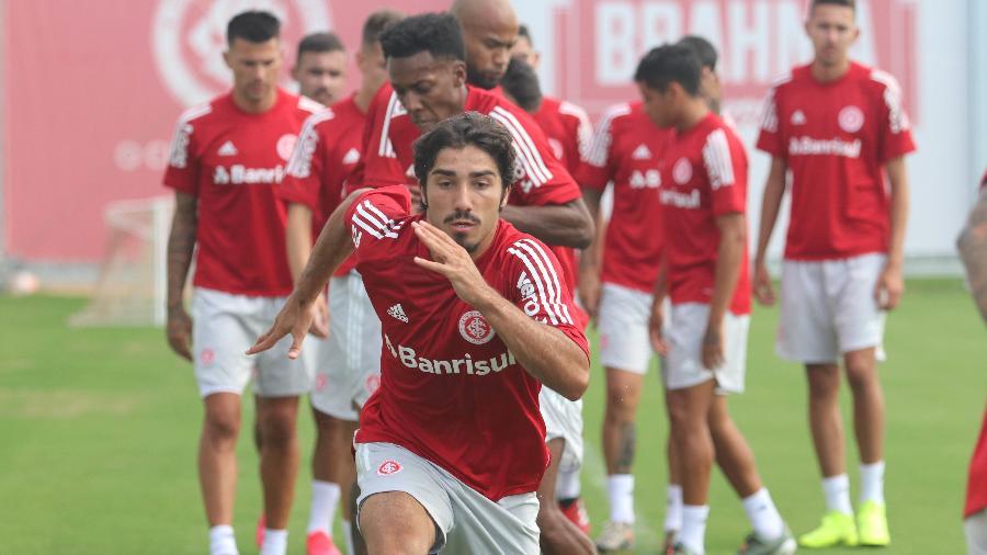 Erik, de 19 anos, voltou para as categorias de base do Inter antes da pandemia - Ricardo Duarte/SC Internacional