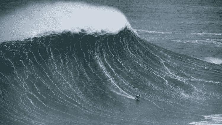 A Praia do Norte em Nazaré é famosa por registrar algumas das maiores - e mais perigosas - ondas do mundo - WSL - WSL