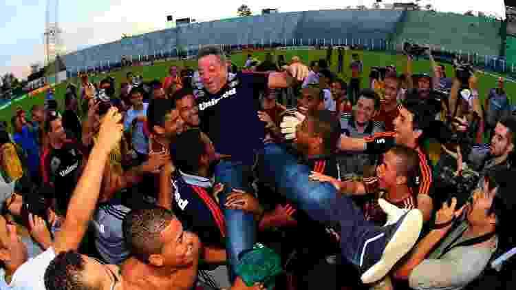 Abel Braga com o elenco do Fluminense tetracampeão brasileiro em 2012 - Nelson Perez/Fluminense FC - Nelson Perez/Fluminense FC