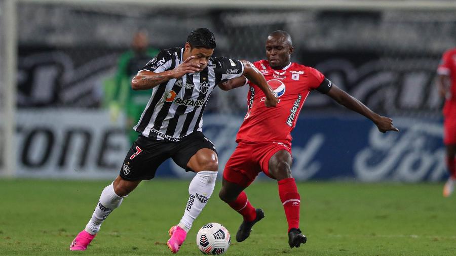 Em alta no Atlético-MG, o atacante Hulk tem grandes chances de iniciar o duelo contra o Cerro Porteño entre os titulares - Pedro Souza/Atlético