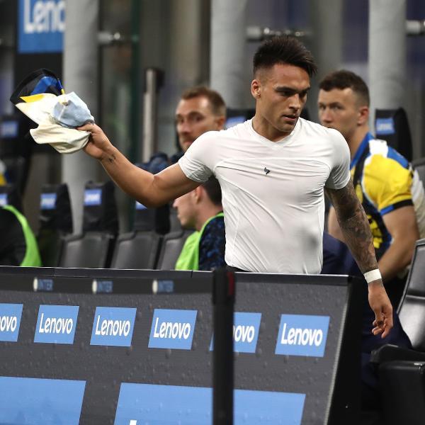 Lautaro Martínez se revolta após ser substituído em partida da Inter de Milão