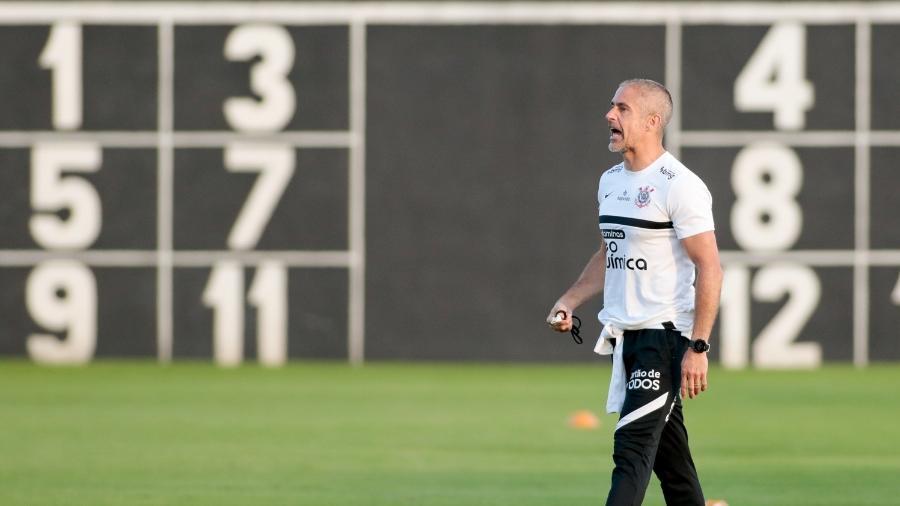 Sylvinho em treino do Corinthians no CT Dr. Joaquim Grava - Rodrigo Coca/Agência Corinthians