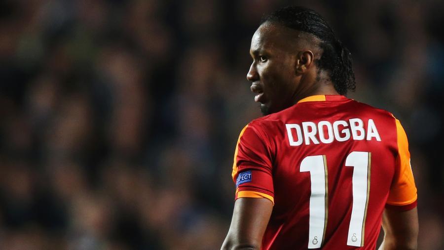 Drogba em atuação pelo Galatasaray - Clive Rose/Getty Images