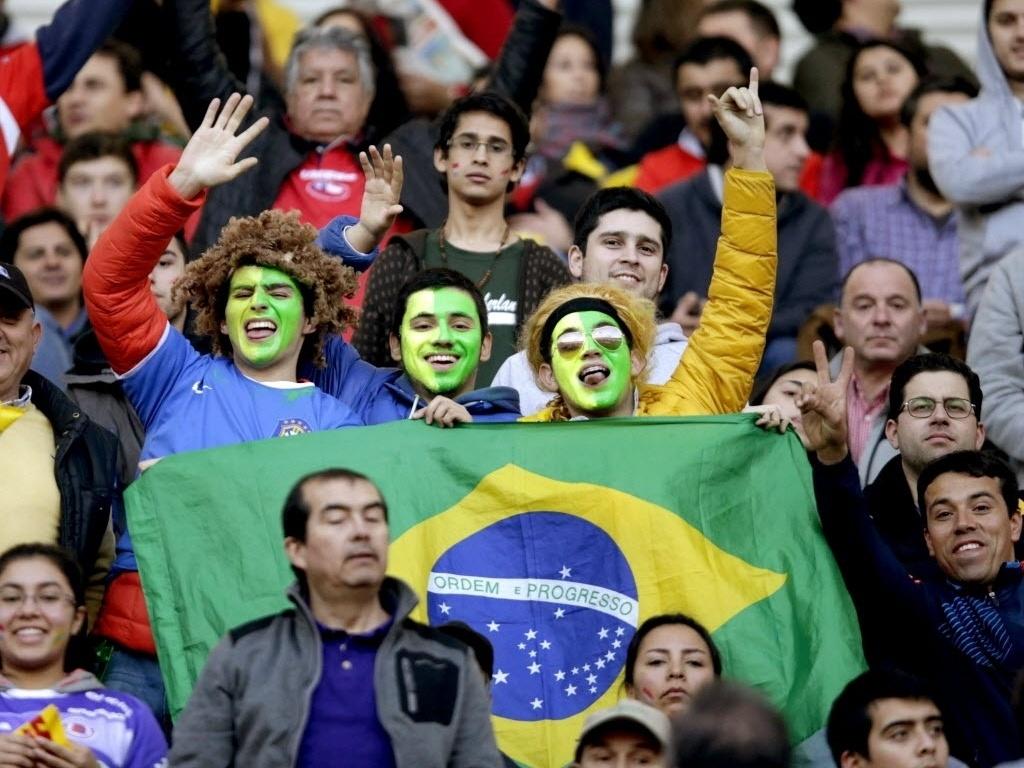 Torcedores brasileiros em Concepción antes das quartas de final da Copa América