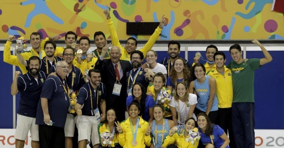 Recorde de medalhas de Thiago Pereira em Jogos Pan-Americanos, 23, fez com que a organização quebrasse o protocolo de premiação em Toronto