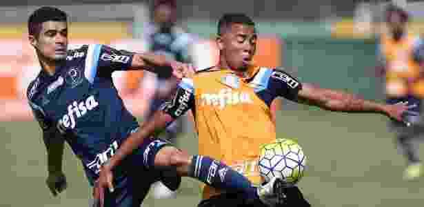 Egídio e Gabriel Jesus durante treinamento do Palmeiras em 2015 - Cesar Greco/Ag Palmeiras