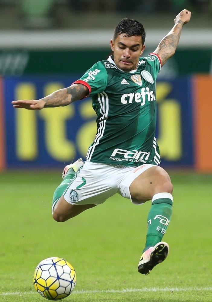 Dudu em ação na vitória do Palmeiras sobre o Fluminense