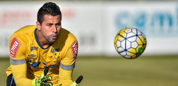 Fábio participa de treinamento da equipe sub-20 do Cruzeiro