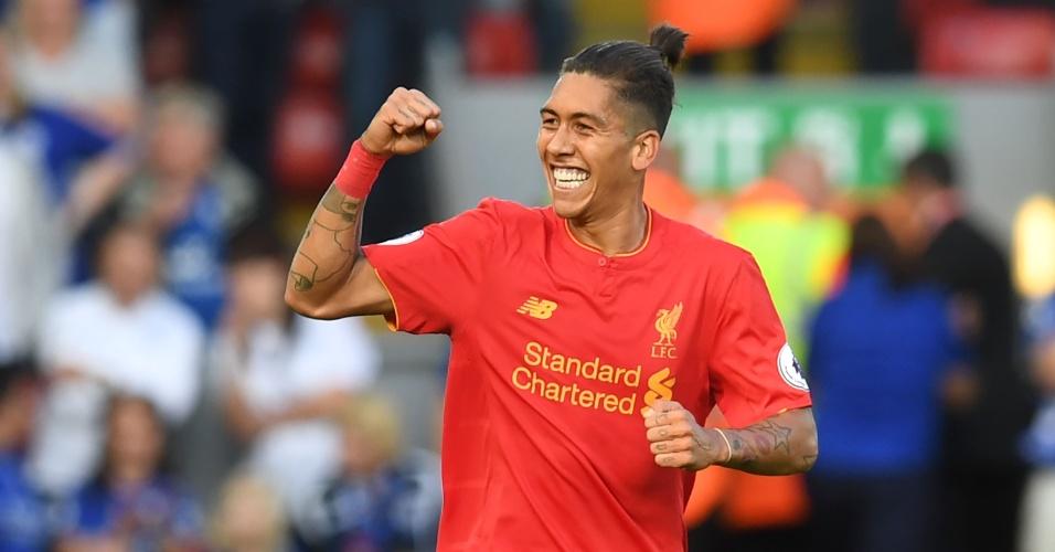 O atacante Roberto Firmino comemora gol do Liverpool