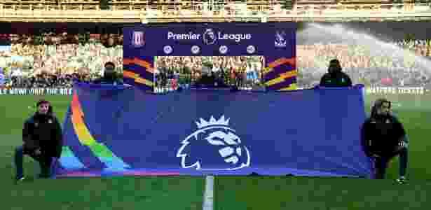 "Premier League apoia campanha Rainbow Laces, contra a homofobia - TONY O""BRIEN/Action Images via Reuters"