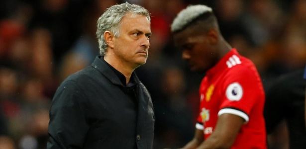 O técnico José Mourinho durante o jogo contra o West Bromwich