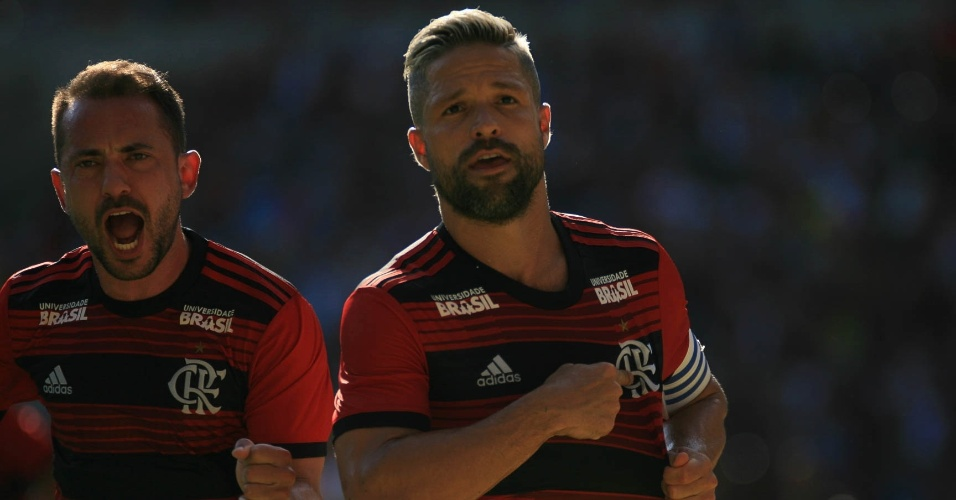 Diego comemora gol do Flamengo contra o Bangu