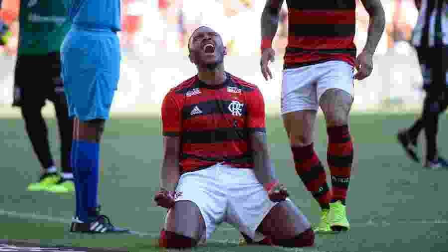 Vitinho vem sendo alvo constante de críticas dos torcedores do Flamengo - Alexandre VIdal/CR Flamengo