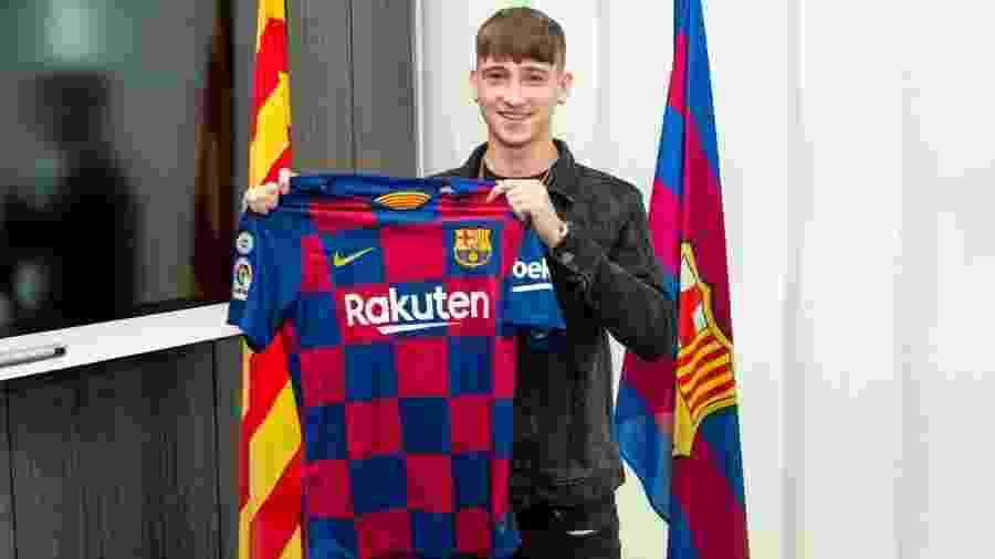 Louie Barry assinou com o Barcelona - Divulgação/Barcelona
