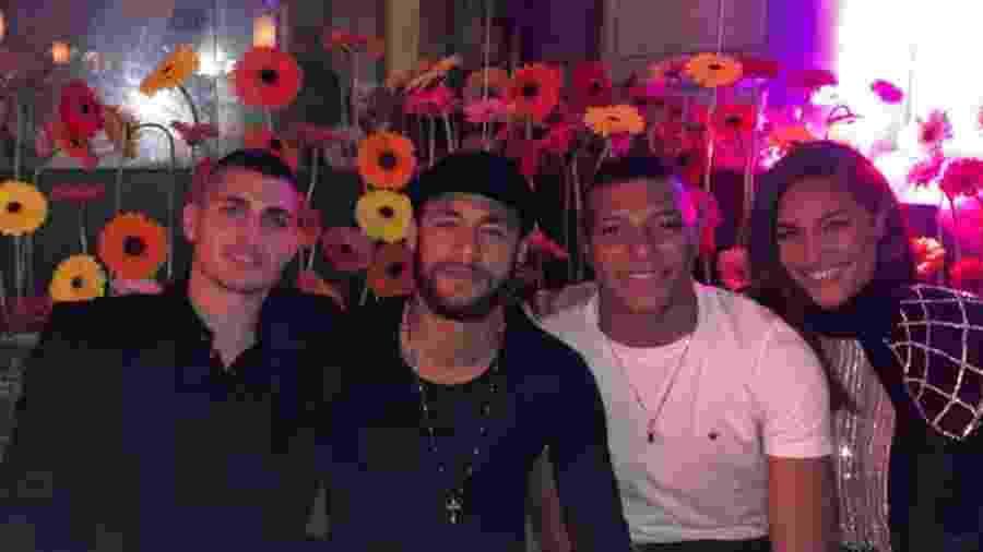Verratti com Neymar, Mbappe e a namorada  Cindy Bruna em sua festa de aniversário - Reprodução/Instagram