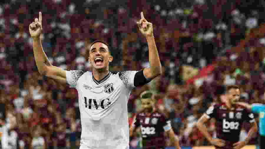 Aos 30 anos, Thiago Galhardo interessa ao Fluminense e tem cláusula que pode mantê-lo no Ceará - Bruno Baketa/AGIF
