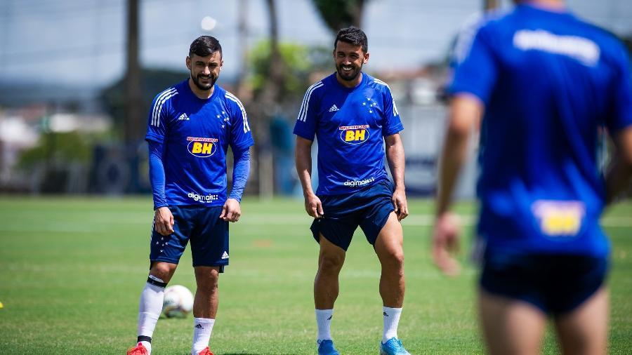 Robinho e Edilson deixaram o Cruzeiro após decisão da nova diretoria, liderada por Sérgio Santos Rodrigues - Bruno Haddad/Cruzeiro