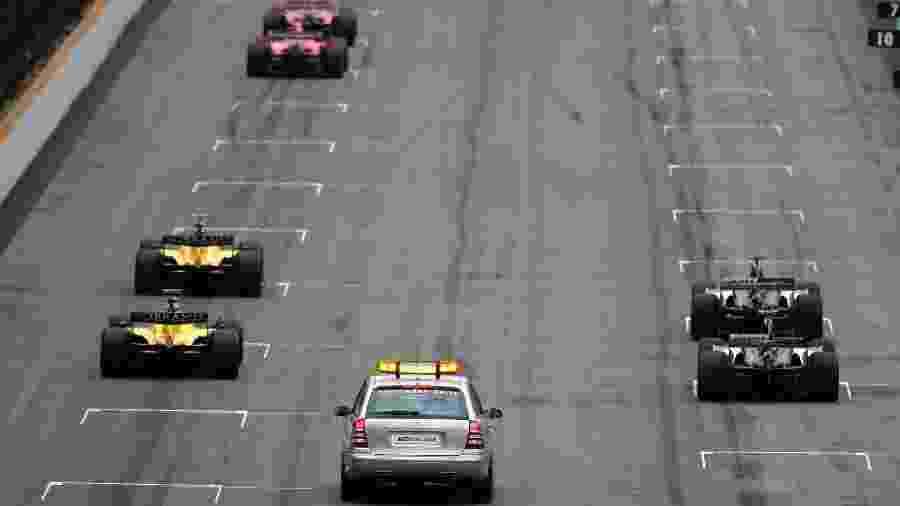 Largada do GP dos Estados Unidos de 2005 - Clive Rose/Getty Images