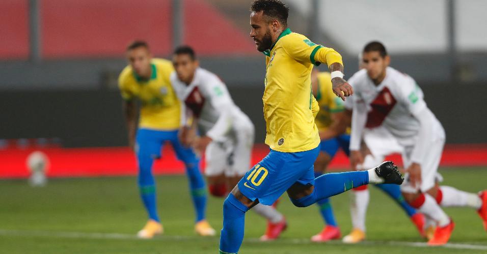 Neymar cobra pênalti e marca o segundo gol do Brasil contra o Peru