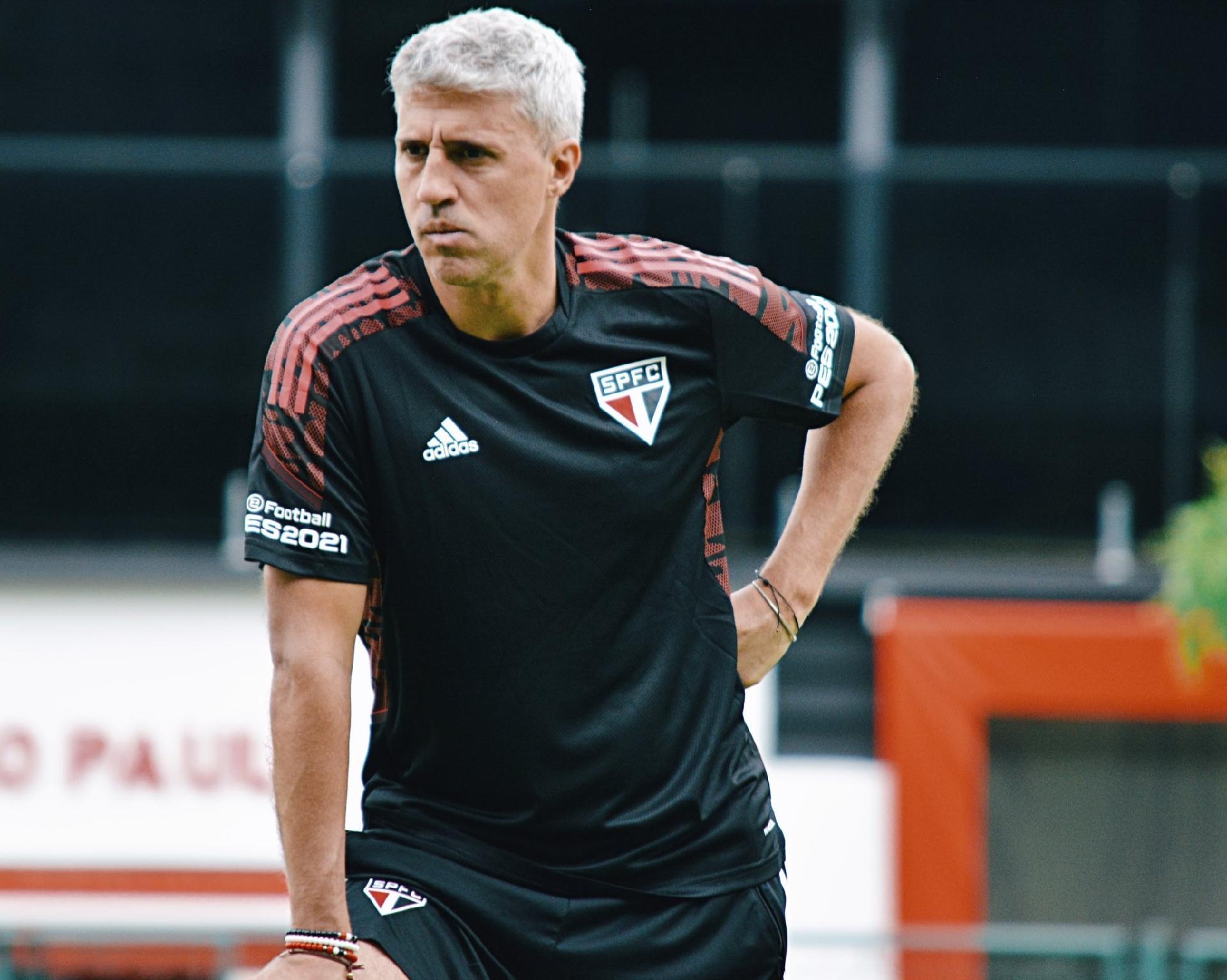 Crespo está a um jogo de igualar sequência no Brasileiro que derrubou Diniz