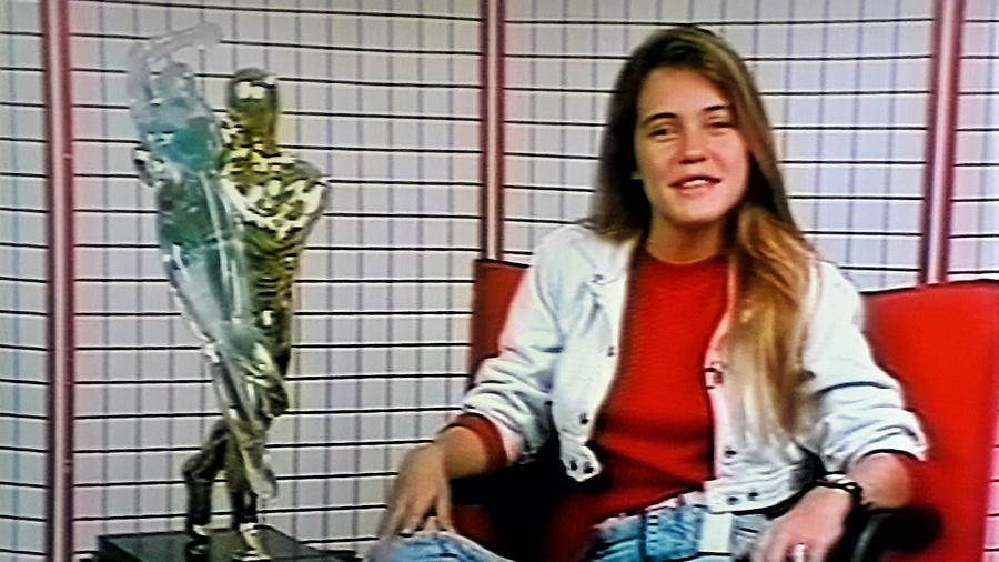 """Adriana Esteves apresentou o programa """"Evidência"""" na Band em 1988, quando tinha 17 para 18 anos - Acervo pessoal/João Mendes/Memória Motor"""