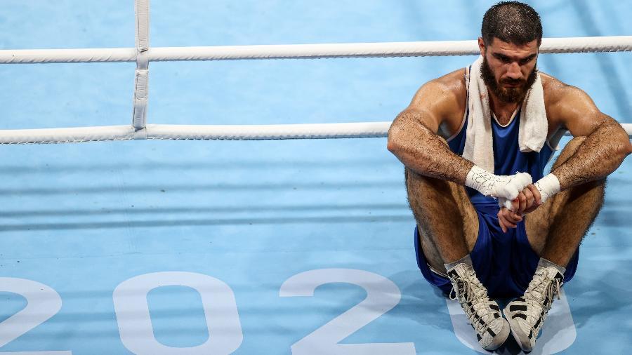 Mourad Aliev se recusa a deixar o ringue após derrota nas Olimpíadas de Tóquio - Xinhua/Ou Dongqu