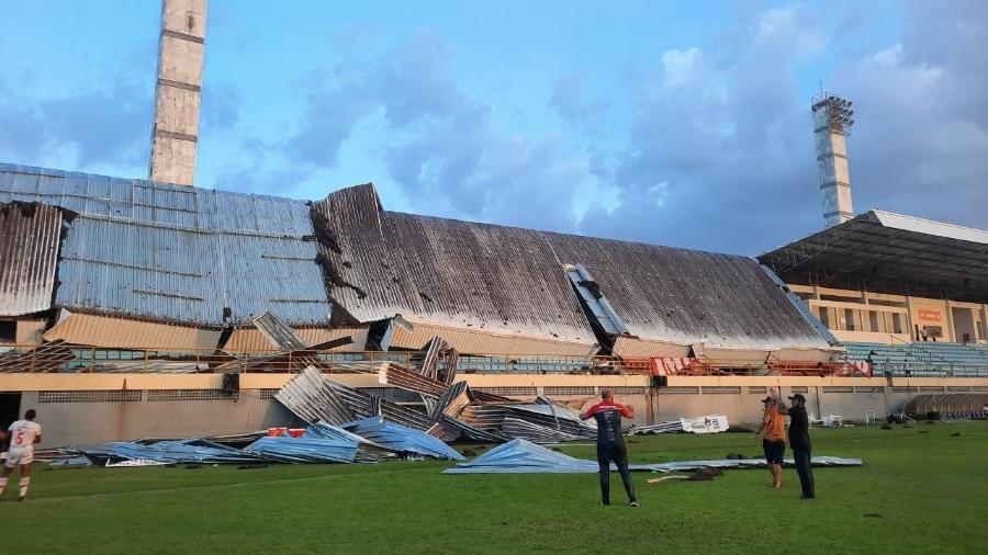 Parte do estádio Frei Epifânio, no Maranhão, desabou durante partida entre Imperatriz e 4 de Julho - Divulgação/Ananda Portilho