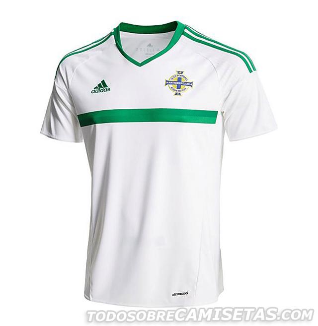 GRUPO C: Irlanda do Norte (camisa reserva, adidas)