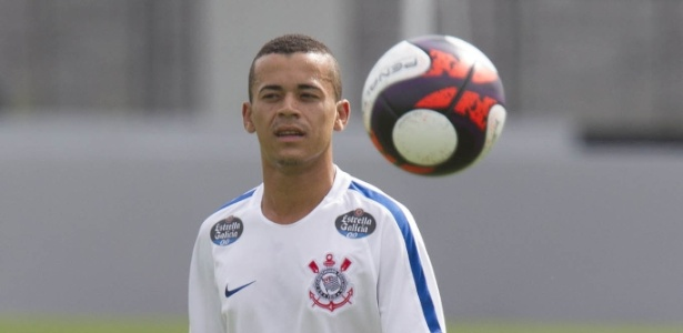 De Alagoas ao Corinthians, novo atacante Luidy se emociona em apresentação