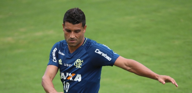 Ederson treinou normalmente e está perto de voltar aos jogos do Flamengo