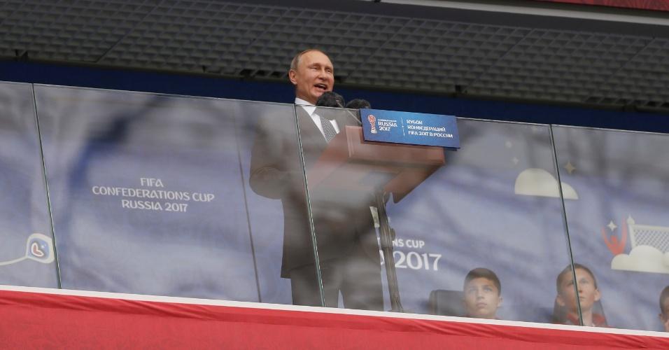 Vladimir Putin, presidente da Rússia, discursa antes do primeiro jogo da Copa das Confederações