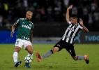 F. Melo no chão e sequência de Régis; os dribles da segunda no Brasileirão - Thiago Ribeiro/AGIF