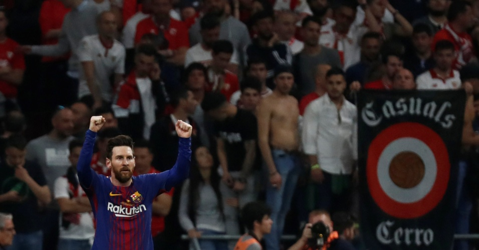 Lionel Messi comemora segundo gol do Barcelona contra o Sevilla na final da Copa do Rei.