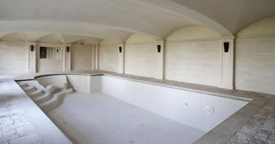 Mansão onde CR7 vai morar tem piscina interna