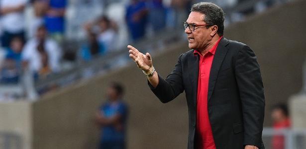 adb9bab1e Vasco acertou ao contratar Vanderlei Luxemburgo? Blogueiros opinam -  08/05/2019 - UOL Esporte
