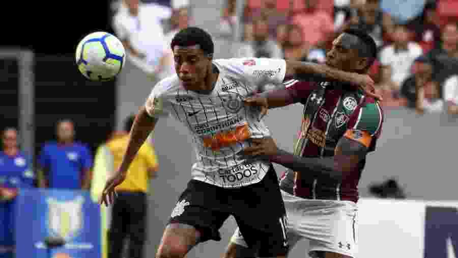 Gustavo em ação durante partida entre Corinthians e Fluminense pelo primeiro turno do Brasileirão - MAILSON SANTANA/FLUMINENSE FC
