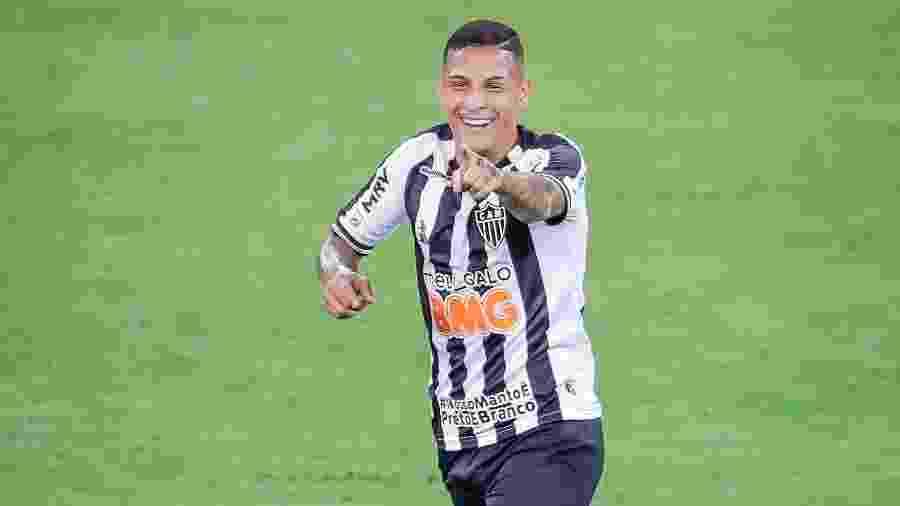 Guilherme Arana, lateral esquerdo do Atlético-MG, celebra vitória sobre o Flamengo, mas adota cautela - Bruno Cantini/Atlético-MG