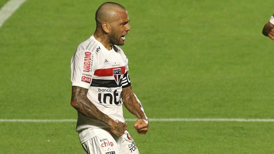 Daniel Alves, aos 37 anos, fez o gol da vitória do São Paulo em sua estreia no Brasileirão 2020 - Rubens Chiri/saopaulofc.net
