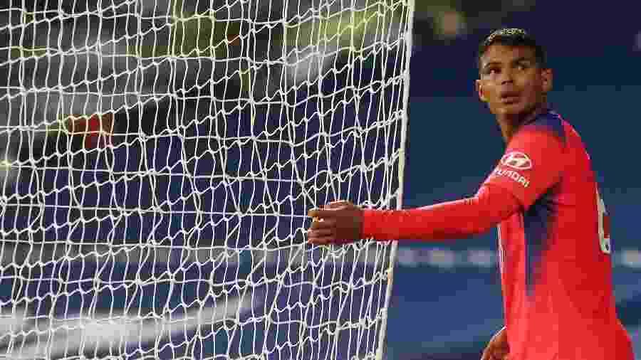 Thiago Silva errou na partida entre Chelsea e West Brom - Ivill / POOL / AFP
