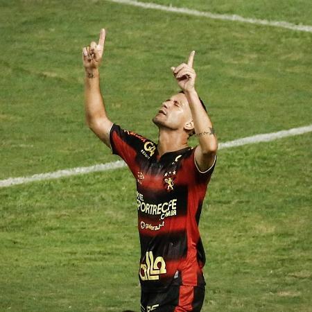Thiago Neves em ação pelo Sport - Paulo Paiva/AGIF