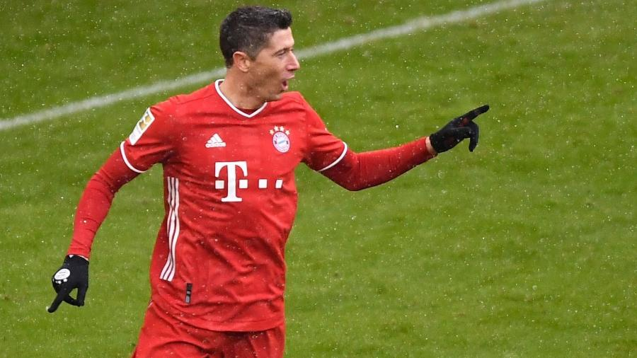 Lewandowski comemora gol do Bayern de Munique contra o Freiburg - LUKAS BARTH-TUTTAS / various sources / AFP