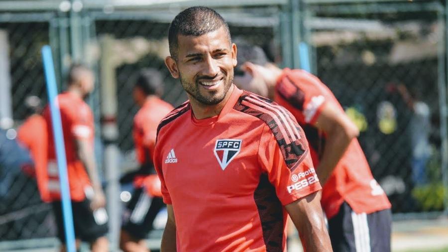 Joao Rojas, jogador do São Paulo, em treino no CT da Barra Funda - Divulgação/SPFC