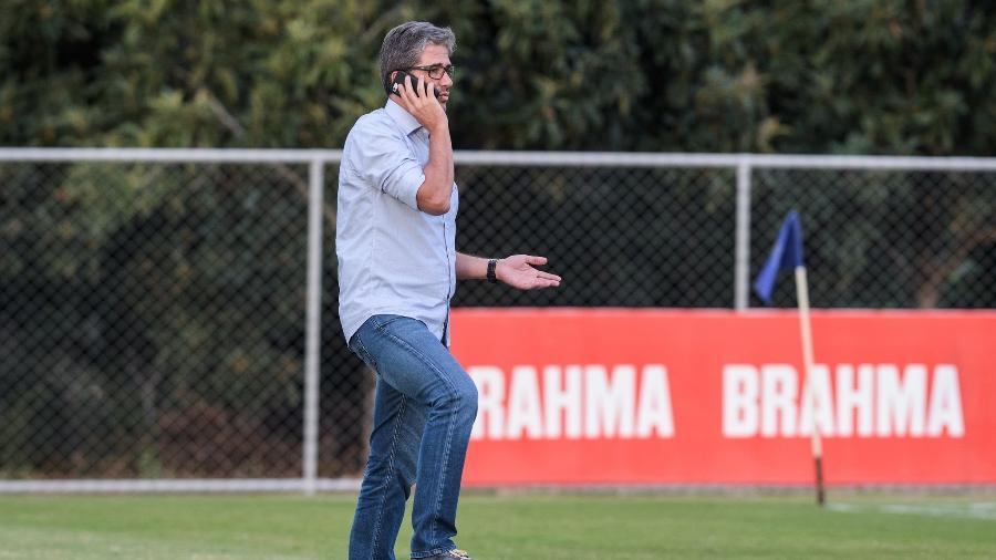 Rodrigo Pastana tem missão difícil de trabalhar sem dinheiro e com punições da Fifa se aproximando - Gustavo Aleixo/Cruzeiro