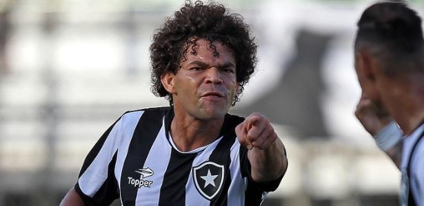Camilo (f) deve ficar fora da partida contra o Grêmio na última rodada do Brasileirão