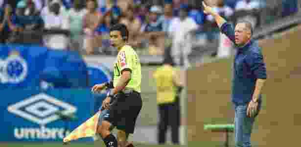 Técnico reclamou demais após o vermelho de Lucas e também acabou expulso -  Juliana Flister/Light Press/Cruzeiro