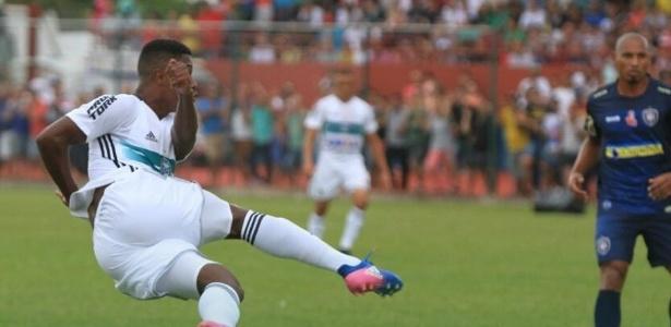 Jogando fora de casa, o Coritiba tropeçou diante do Cianorte na estreia do Paranaense